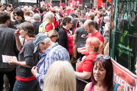 corbyn-rally-newcastle-16073104
