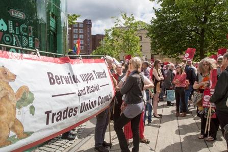 corbyn-rally-newcastle-16073124