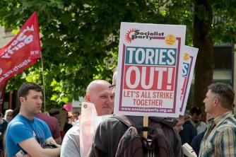 corbyn-rally-newcastle-16073127