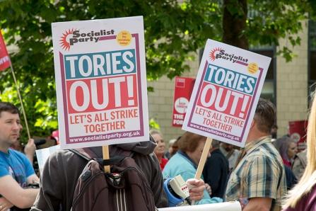 corbyn-rally-newcastle-16073128