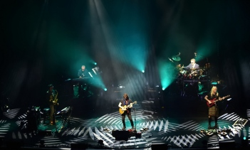 Steve Hackett Genesis Revisited with Classic Hackett - Gateshead Sage May 2017